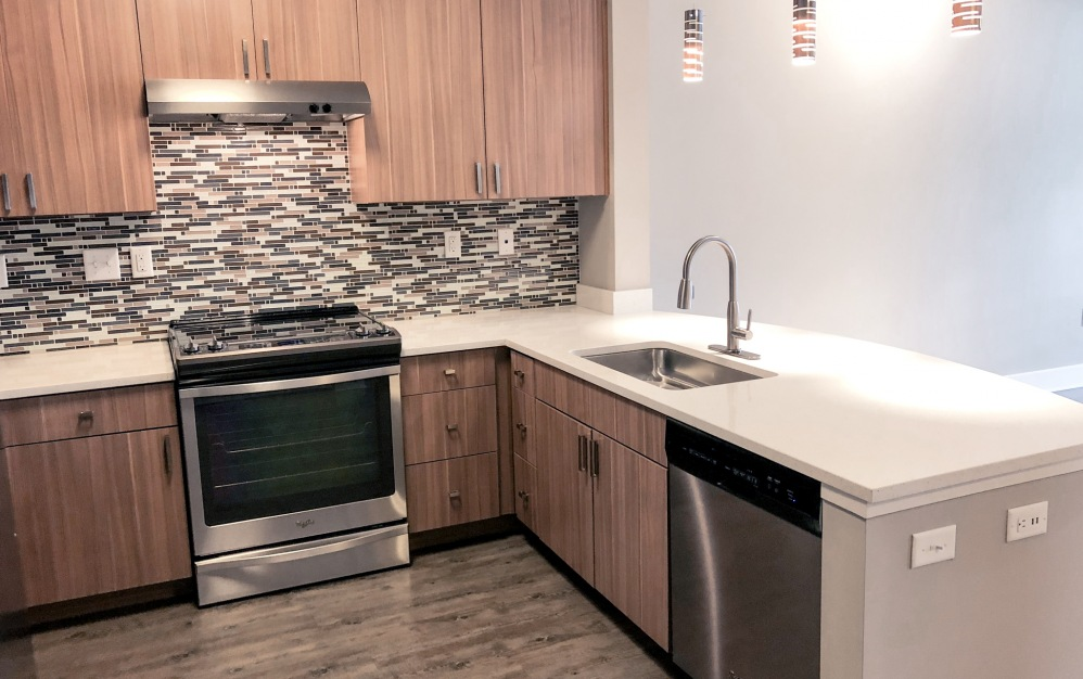 B1-HC - 1 bedroom floorplan layout with 1 bath and 750 square feet. (Kitchen)